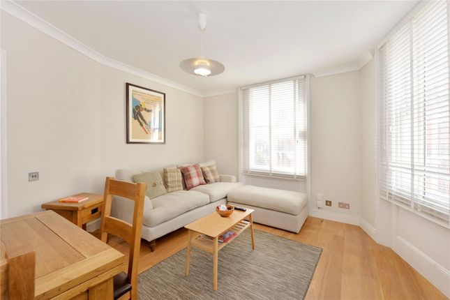 2 bed flat for sale in Gloucester Road, South Kensington, London