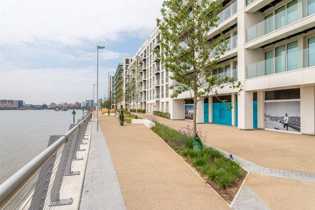 Thumbnail Flat for sale in Marco Polo, Mariners Quarter, Royal Wharf, London