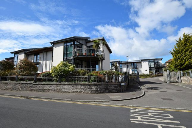 Thumbnail Flat for sale in Y Cerigos, Barry