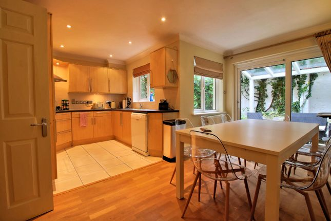 Thumbnail Town house to rent in Century Row, Oxford