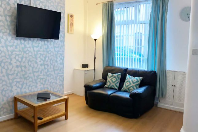 Thumbnail Flat to rent in Irvine Street, Leigh