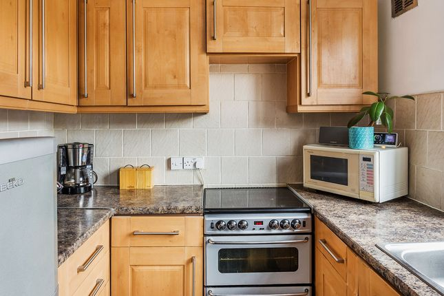 Thumbnail Maisonette for sale in Russell Hill Road, Purley