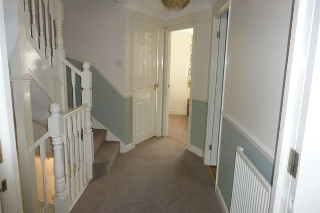 4 bed detached house to rent in Massingberd Way, London