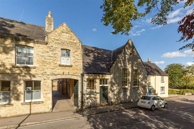 Thumbnail Town house for sale in Church Street, Bicester, Oxfordshire