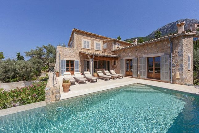 5 bed property for sale in Deia