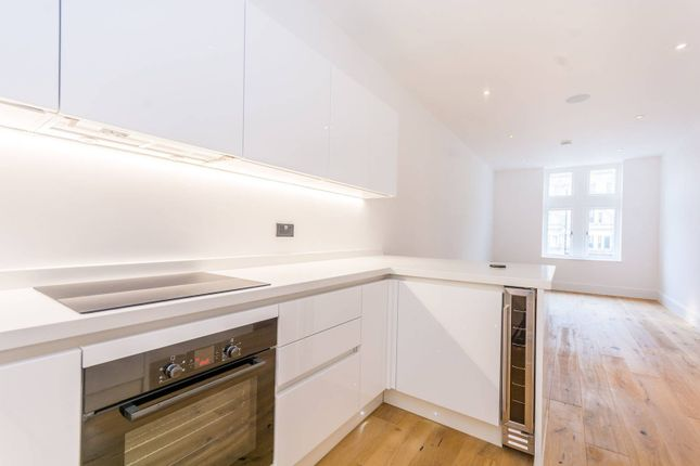 Thumbnail Flat for sale in Holloway Road, Holloway