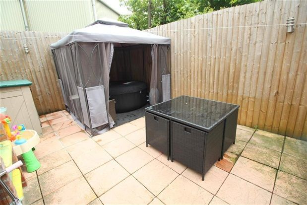 Rear Yard of Grove Street, Leyland PR25
