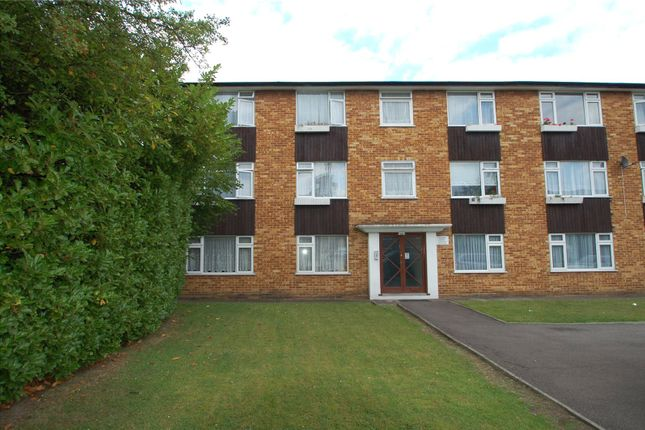 Thumbnail Flat to rent in Tregenna Court, Wembley, Middlesex