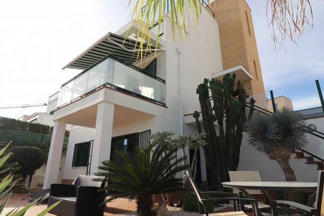 Thumbnail Villa for sale in Cuidad Quesada, Benijófar, Alicante, Valencia, Spain