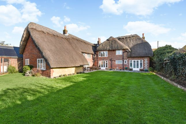 Thumbnail Cottage for sale in High Street, Selsey, Chichester