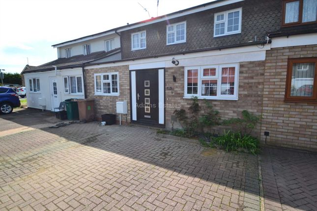 Thumbnail Semi-detached house to rent in Howth Drive, Woodley, Reading