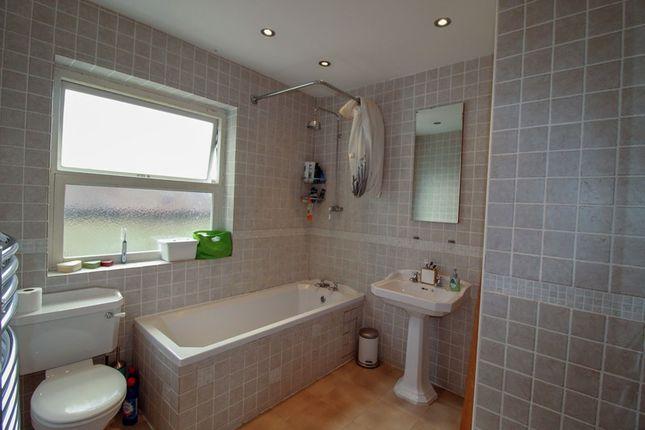 Picture No. 9 of Fitzjohn Avenue, High Barnet, Hertfordshire EN5