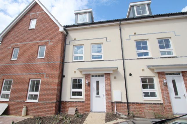 Thumbnail Property to rent in Quicksilver Street, Worthing