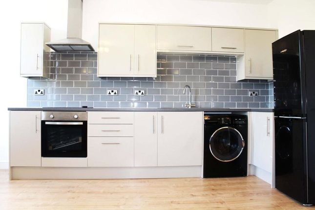 Thumbnail Flat to rent in East Parade, Harrogate, North Yorkshire