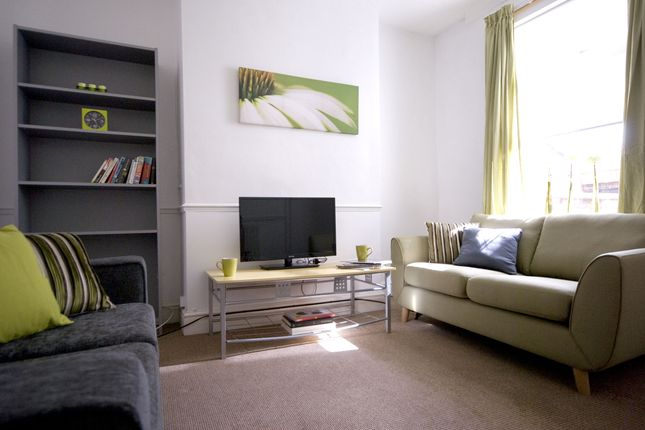 Thumbnail Detached house to rent in Wellington Street, Nottingham