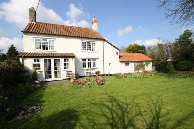 Thumbnail Cottage for sale in Town Street, Treswell, Nottinghamshire