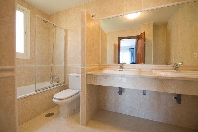 Bathroom of Spain, Málaga, Alhaurín El Grande, Alhaurín Golf