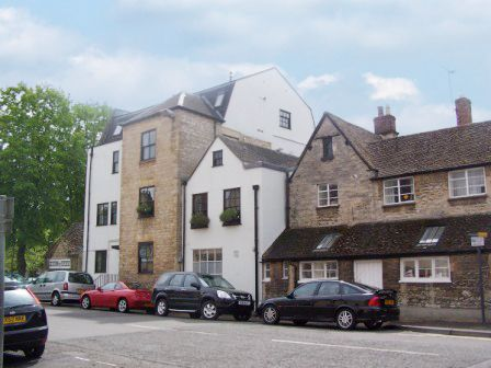 Thumbnail Flat to rent in Wickham House, Witney, Oxfordshire