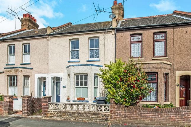 Thumbnail Terraced house for sale in Kings Avenue, Watford