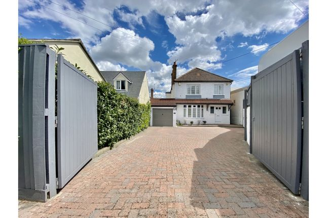 5 bed detached house for sale in Malmesbury Road, Chippenham SN15