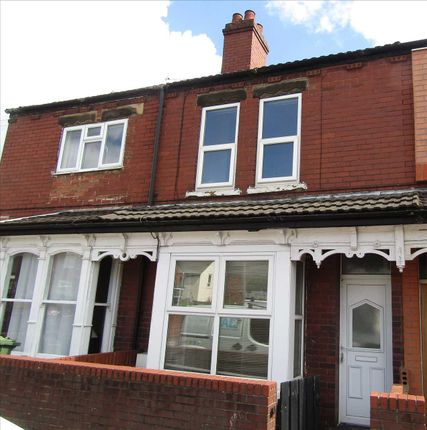 Semi-detached house to rent in King Edward Street, Scunthorpe