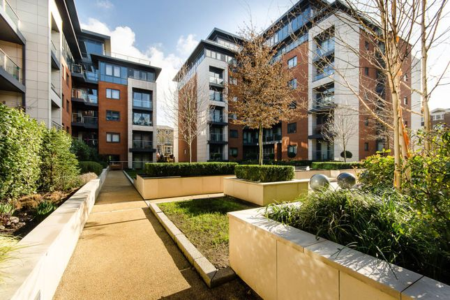 Thumbnail Flat for sale in Chartfield Avenue, Putney