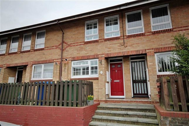 Thumbnail Terraced house for sale in Gerards Close, London