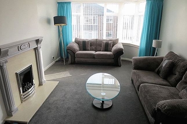 Thumbnail Flat to rent in St. Peters Crescent, Morley, Leeds