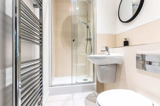 Ensuite-2 of Havelock Drive, Greenhithe DA9