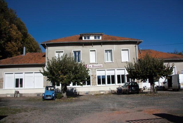 Thumbnail Retail premises for sale in Saint Mathieu, Rochechouart, Haute-Vienne, Limousin, France