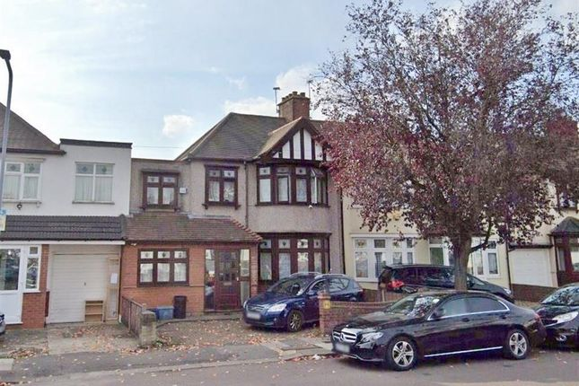 Thumbnail Terraced house to rent in Primrose Avenue, Romford, Essex