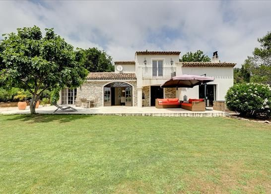 4 bed detached house for sale in Grimaud, France