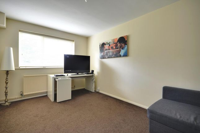 Thumbnail Flat to rent in Aylsham Drive, Ickenham, Middlesex