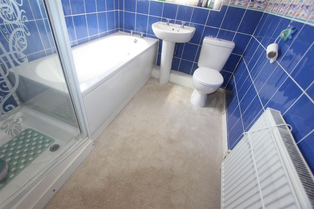Bathroom of Lowson Street, Darlington DL3