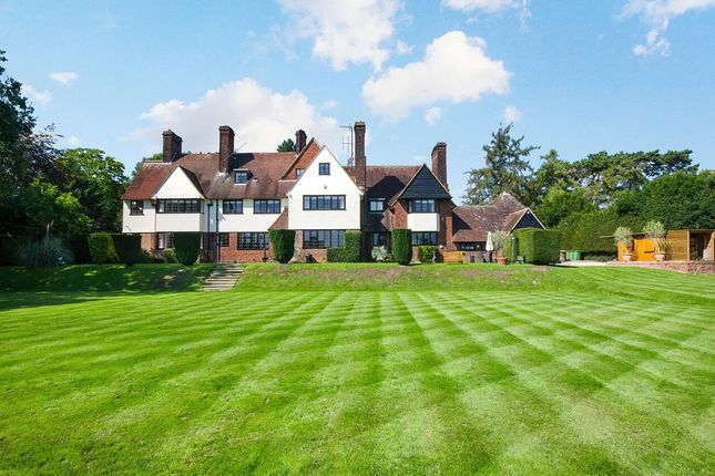 Thumbnail Detached house for sale in Yewlands, Hoddesdon, Hertfordshire