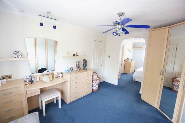 Dressing Area of Mimosa Drive, Fair Oak, Eastleigh SO50