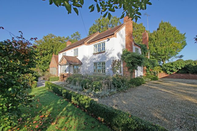 Thumbnail Detached house for sale in Scarfield Hill, Alvechurch