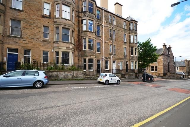 2 bed flat to rent in Viewforth, Edinburgh