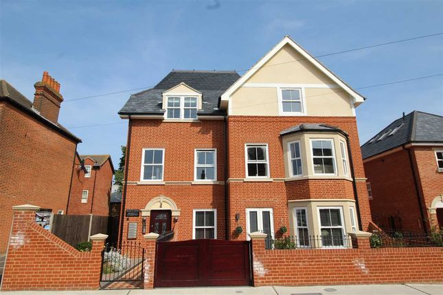 2 bed flat for sale in Francis Court, Leopold Rd, Felixstowe