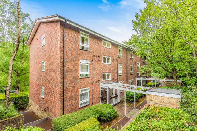 Thumbnail Flat for sale in Fountain Drive, London