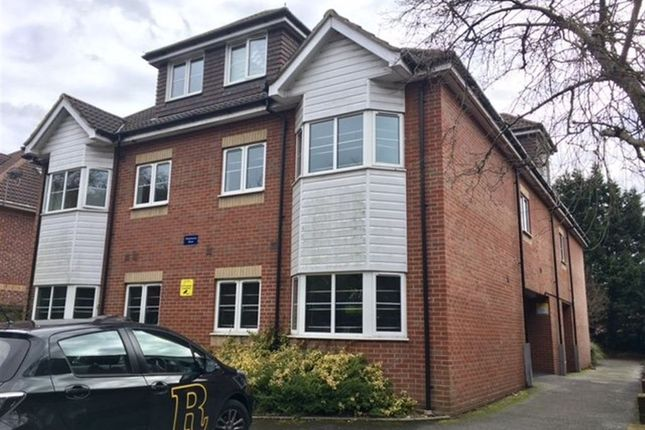 Thumbnail Flat to rent in Richmond Park Road, Bournemouth