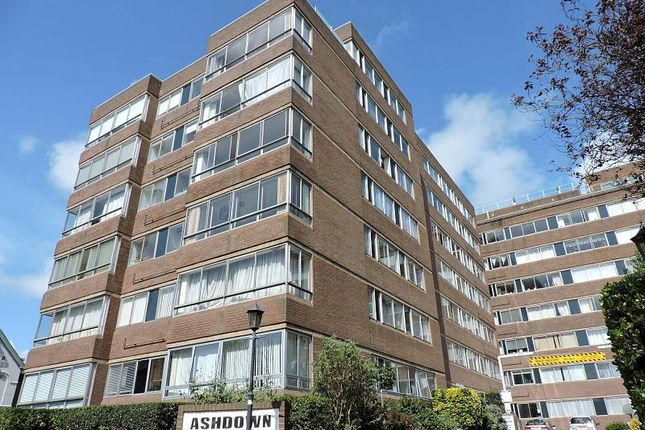 3 bed flat to rent in Eaton Road, Hove BN3