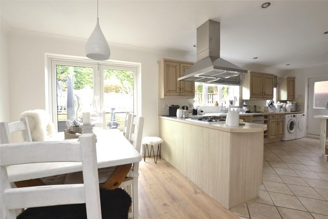 Thumbnail Detached house for sale in Walnut Close, Witney, Oxfordshire