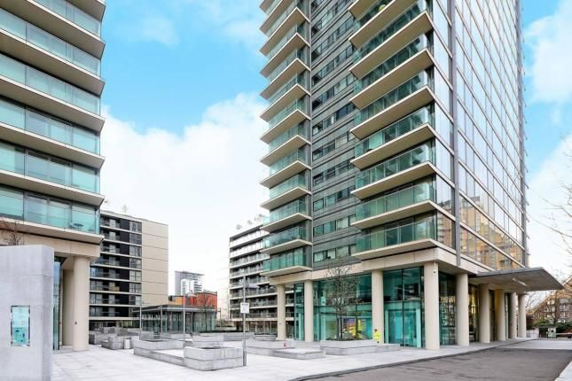 Thumbnail Flat to rent in Landmark Building, West Tower, West Tower, Westferry Circus, Canary Wharf, South Quay, London