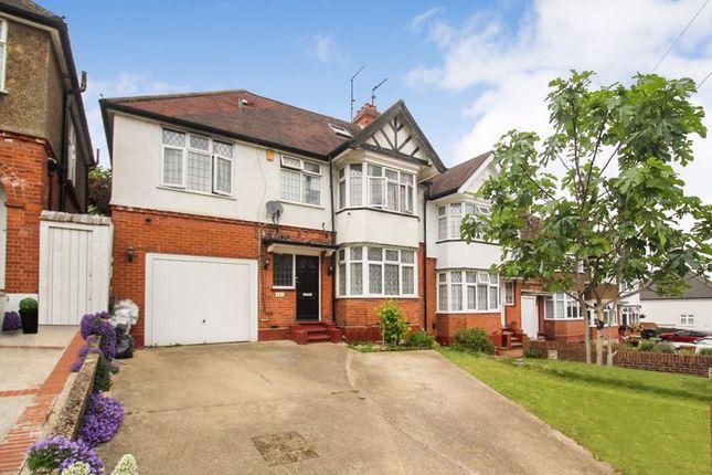 Thumbnail Detached house for sale in Cutenhoe Road, Luton
