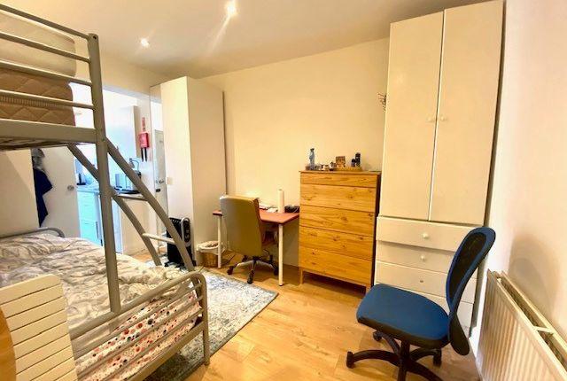 Thumbnail Studio to rent in Babington Road, Hendon