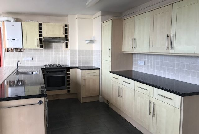 Thumbnail Flat to rent in St. Lukes Road South, Torquay