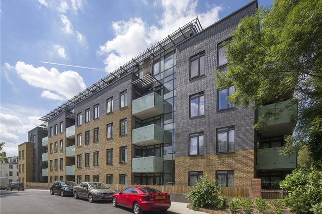 3 bed flat for sale in Searle House, Cecil Grove, London