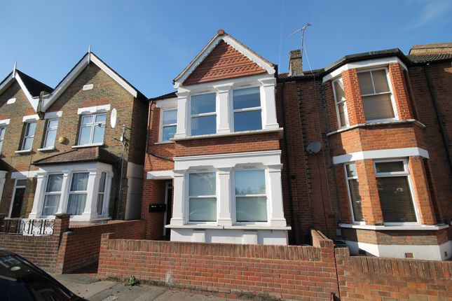 2 bed duplex to rent in Pulteney Road, South Woodford