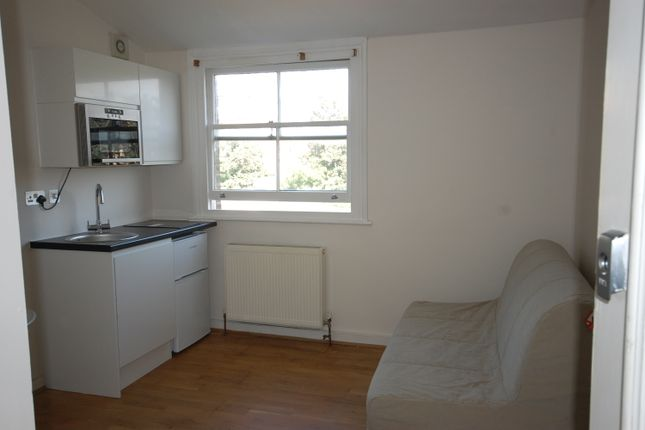 Thumbnail Studio to rent in Salisbury Road, London